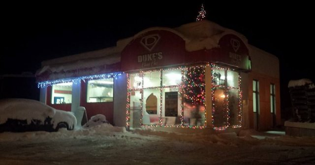 """""""Deck the Windows"""" Storefront Decorating Contest"""